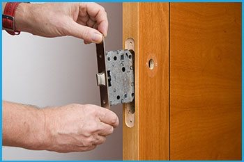 Lock Locksmith Services Bronx, NY 718-304-2929
